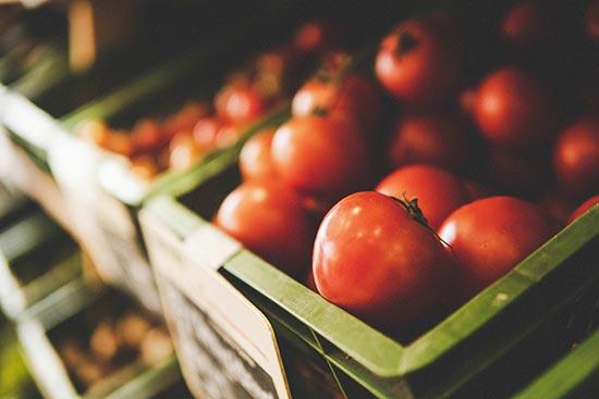 Bio Tomaten im Laden